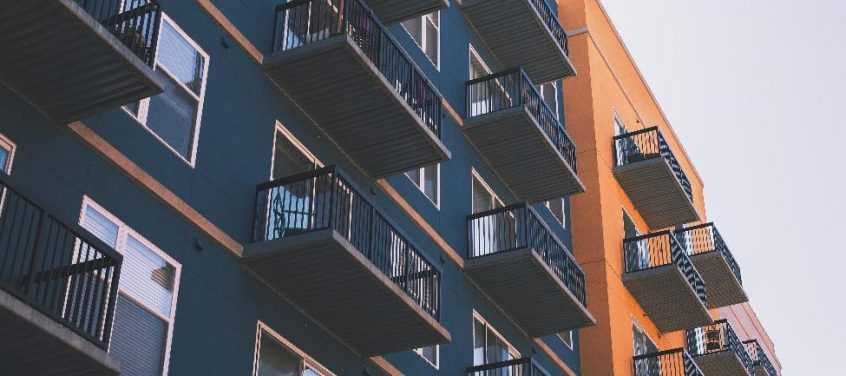 external view of an apartment building